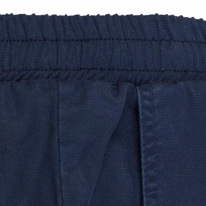 TAO Sportswear - FERDI - Kurze Freizeithose aus Holzfasern - navy