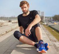 TAO Sportswear - PINO - Atmungsaktives kurzarm Laufshirt - black