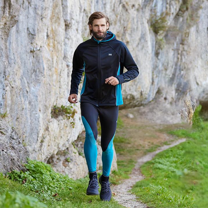 TAO Sportswear - EDVIN - Warme Laufjacke mit Kapuze und Handschlaufe - black