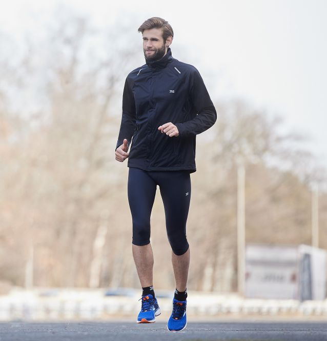TAO Sportswear - GIGU - Atmungsaktive 3/4-Lauftight mit feststellbarem Reißverschluss - black
